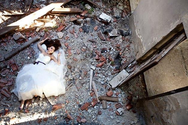 trash the dress wedding photography trend