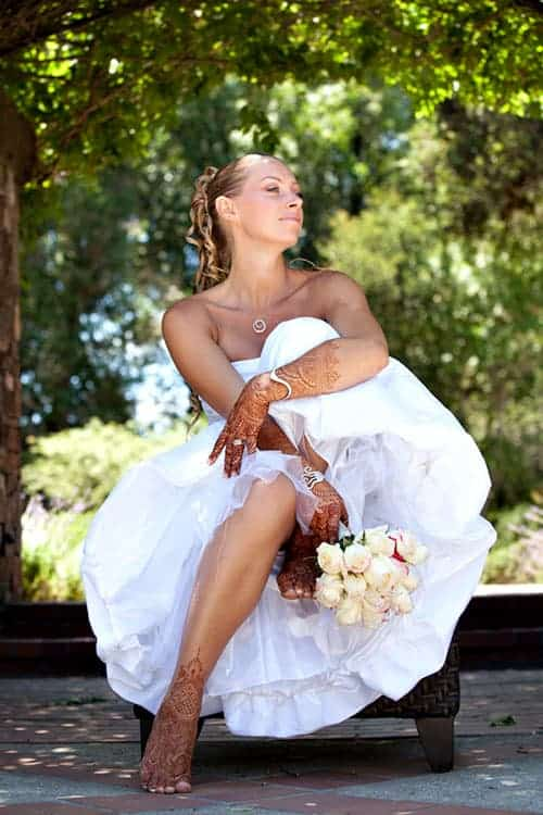 personalize your wedding henna with white wedding dress