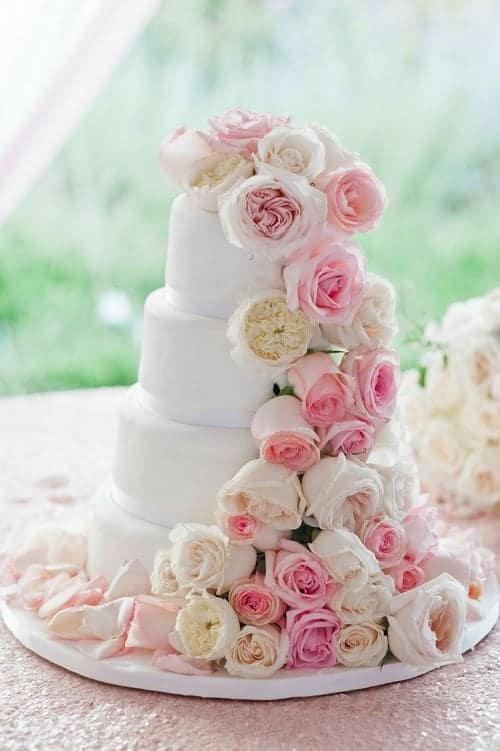 7 Ways To Incorporate Wedding Roses Into Your Styling