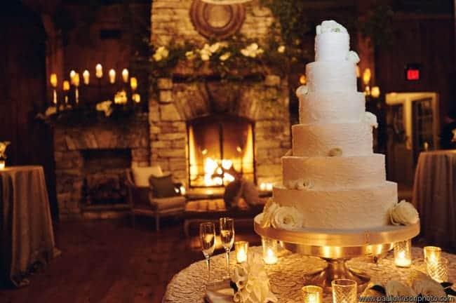Real Wedding Inspiration: 9 Cozy and Elegant Winter Weddings | Fizara DIY Photo Albums