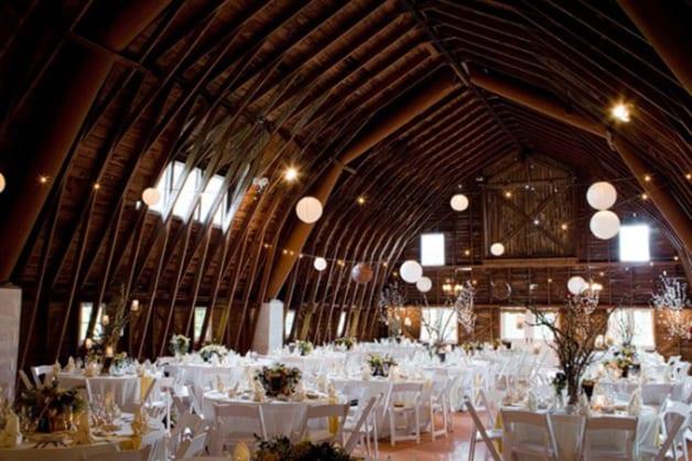 10-Beautiful-Barn-Weddings-We-Love-12