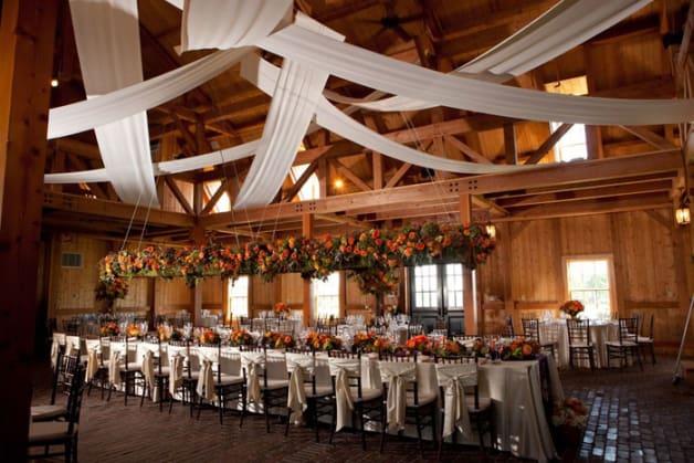 10-Beautiful-Barn-Weddings-We-Love1