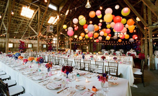 10-Beautiful-Barn-Weddings-We-Love10