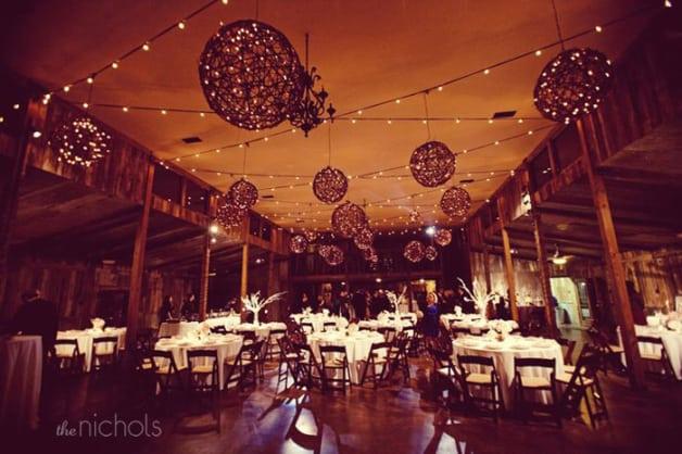 10-Beautiful-Barn-Weddings-We-Love3