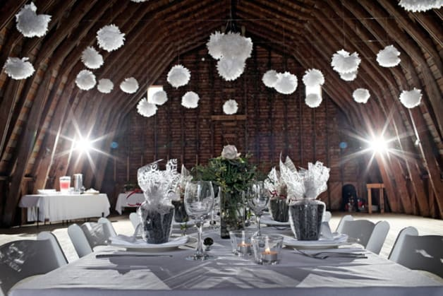 10-Beautiful-Barn-Weddings-We-Love4