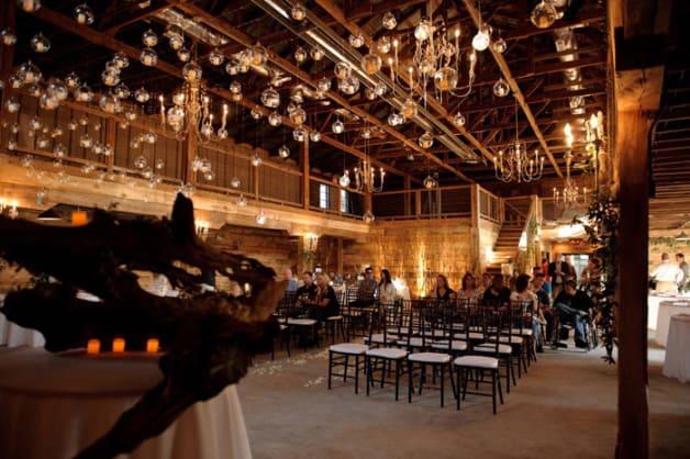 10-Beautiful-Barn-Weddings-We-Love5