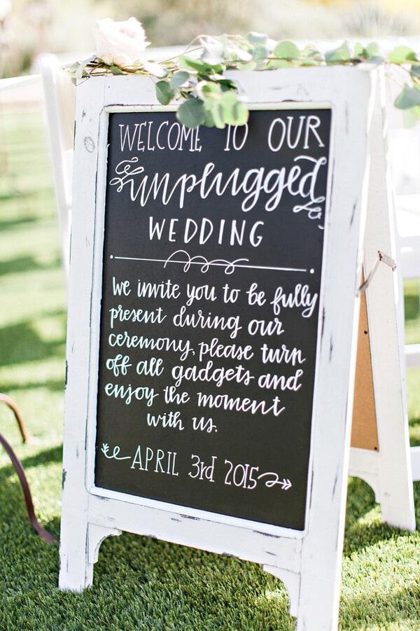 Ruffled - photo by http://www.pinkertonphoto.com/ - http://ruffledblog.com/spring-romantic-wedding-in-the-desert