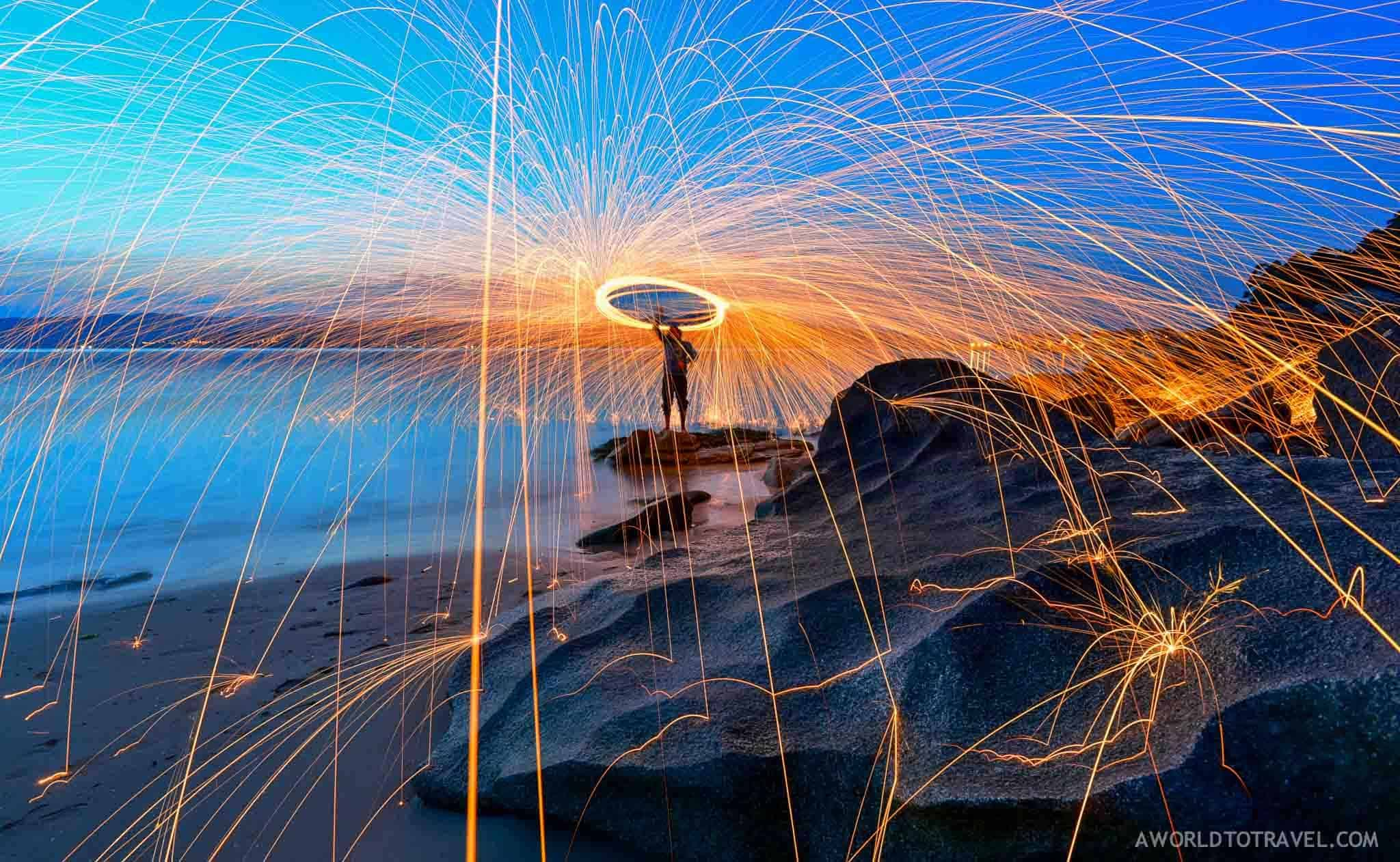 inam Galicia Spain playing with steel wool