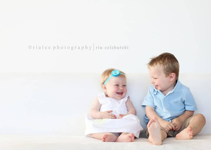 children photography a guide for sibling photography 03